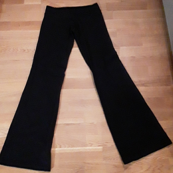 EUC Lululemon black flare yoga pants